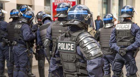 Dva starija muškarca teško stradala u Francuskoj u pucnjavi kod džamije