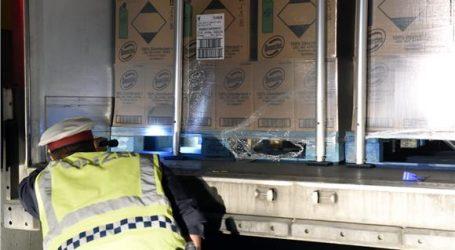 BELGIJA Pronađeno 12 preživjelih migranata u kamionu hladnjači