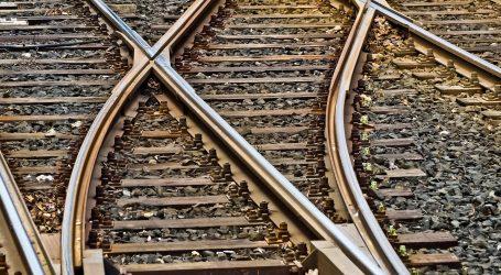 U požaru vlaka u Pakistanu smrtno stradalo 46 ljudi