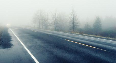 Magla smanjuje vidljivost, pojačan promet na gradskim cestama