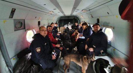 Hrvatski potražni psi i helikopteri na putu za Albaniju