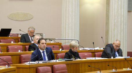 Rasprava o proračunu u Saboru bez čelnika oporbe Bernardića i Beljaka