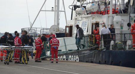 Italija dopustila humanitarnom brodu s 213 migranata da pristane u luku