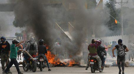 Bolivijski predsjednik u jeku nereda pozvao Papu da pomogne u pregovorima s oporbom