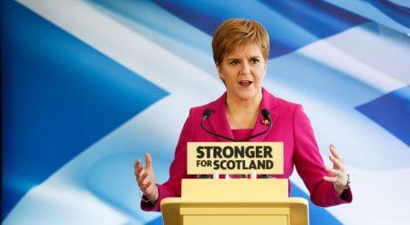 """Sturgeon: """"SNP neće dopustiti da Škotska ostane 'zatočena' u Britaniji"""""""
