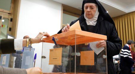 Španjolci počeli izlaziti na prijevremene parlamentarne izbore