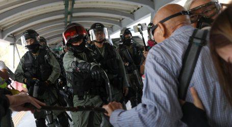 Nastavljeni neredi u Hong Kongu, policija prema prosvjednicima pucala pravim mecima