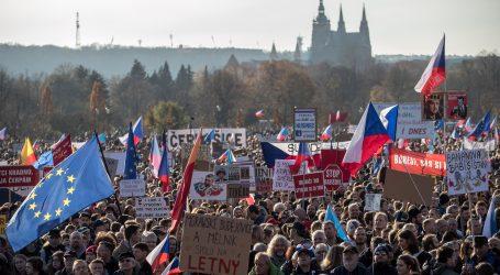 Česi prosvjeduju protiv svojih čelnika uoči obljetnice Baršunaste revolucije