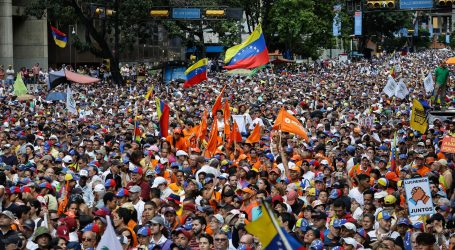 Guaido mobilizirao više tisuća prosvjednika protiv Madura