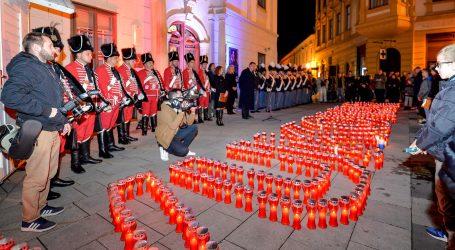 Hrvatska odaje počast žrtvama Vukovara i Škabrnje