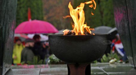 Vukovarci odali počast žrtvama na Ovčari