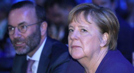 """MERKEL ODRŽALA GOVOR U ARENI: """"Želimo graditi mostove u Europi, to je uloga EPP-a"""""""