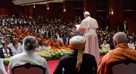 Papa će u Japanu poslati antinuklearnu poruku