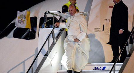 Papa posjedovanje nuklearnog oružja nazvao izopačenim i neodrživim