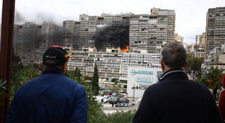 U požaru na splitskom Trsteniku ozlijeđena četiri vatrogasca i jedna stanarka
