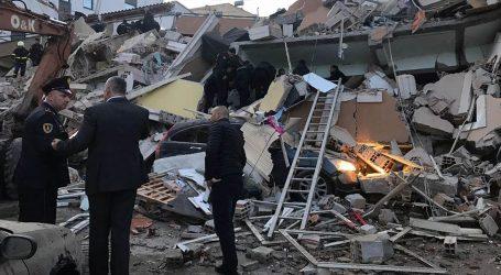 U Albaniji najmanje 21 osoba poginula, oko 600 zatražilo pomoć liječnika