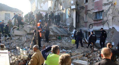 Hrvatska u Albaniju šalje intervencijski tim s psima za izvlačenje iz ruševina