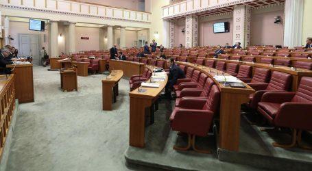 Rasprava o rebalansu skrenula na iznajmljivanje sabornice i članstvo u Komunističkoj partiji