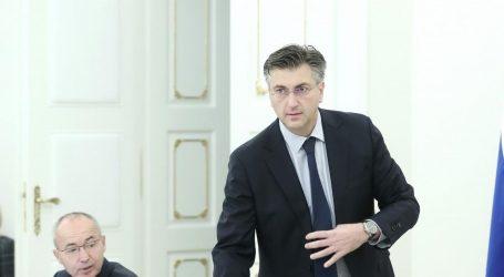 "PLENKOVIĆ: ""Vučić je sa svojom strankom pridruženi član EPP-a, pozvan je na Kongres"""