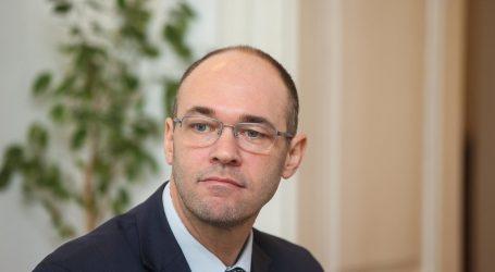 STIER HDZ-OVCIMA 'Ne bojte se, sloboda i tajnost dopisivanja zajamčena je i nepovrediva'