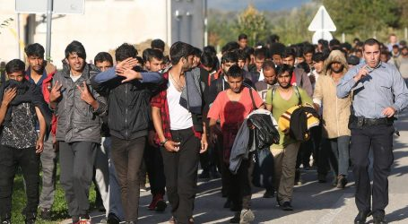 Četiri migranta ozlijeđena u sukobu kod Bihaća, zapaljen lovački dom uz granicu s RH