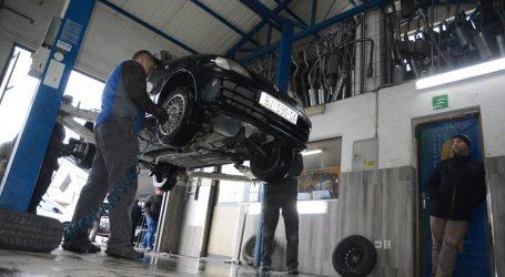 Od danas na hrvatskim cestama obavezna zimska oprema