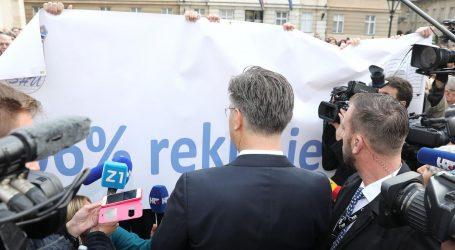 Evo što kaže premijer o reakciji na njegov dolazak pred prosvjednike