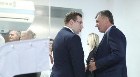 Velika blamaža ministra Pavića na predstavljanju novih medicinskih uređaja