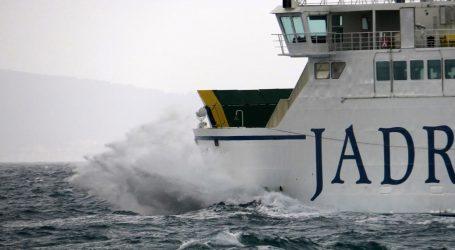 Problemi u pomorskom prometu zbog jakog vjetra