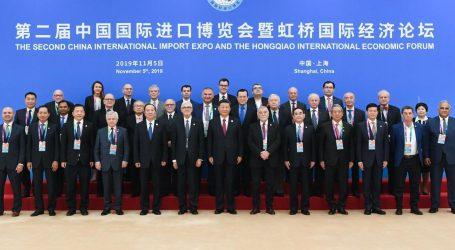 Kako je Mesić na Sajmu u Šangaju dobio počasno mjesto uz kineskog predsjednika Xi Jinpinga