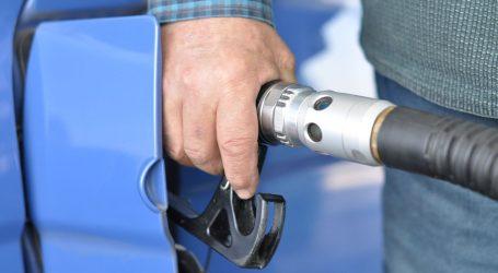 Od ponoći pojeftinilo gorivo, benzin najviše
