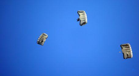 VIDEO: Skakanje padobranom sve popularnije u Turskoj