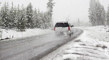 Zimske oluje pogodile SAD u vrijeme velikih putovanja uoči Dana zahvalnosti