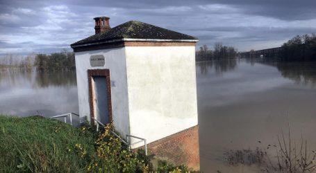 Zbog poplava u Italiji poginuo vozač, Veneciji opet prijeti plimni val