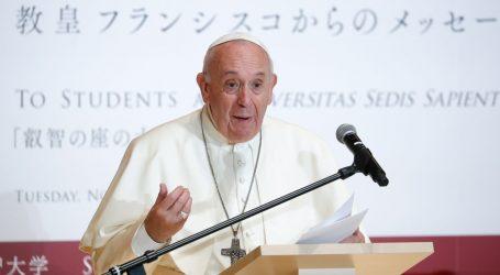 Papa Franjo upozorio na 'virus' konzumerizma u prosincu