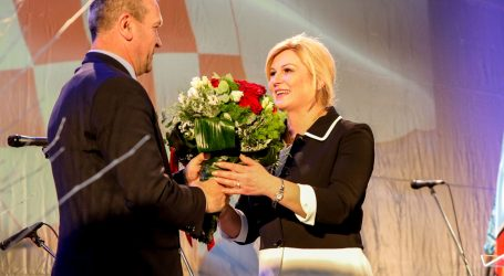 """GRABAR-KITAROVIĆ: """"Hrvatska na ovim izborima neće nasjesti na one koji govore 'normalno'"""""""