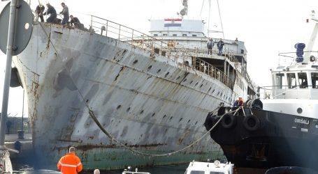 Vlada demantira lažnu vijest o zabrani plovidbe turističkih plovila