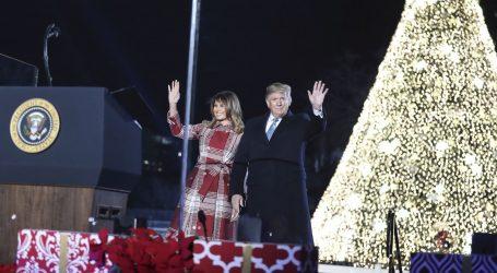 Melania Trump osvijetlila nacionalno božićno drvo u Washingtonu