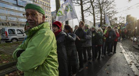 Tisuće ljudi formirale ljudski lanac u Bruxellesu zbog klime