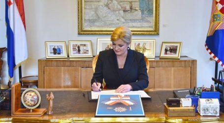Predsjednica kardinala Kuharića posmrtno odlikovala Veleredom dr. Tuđmana
