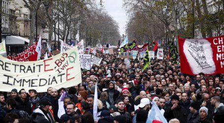 Propali pregovori francuske vlade i sindikata, štrajk se nastavlja