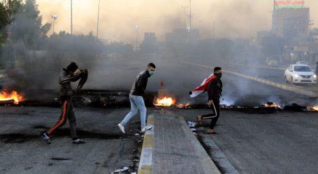 """Irački prosvjednici zatvorili naftno polje u Nasiriji: """"Nema domovine, nema nafte"""""""