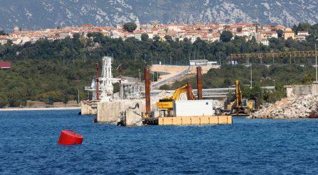 "LNG Hrvatska: ""Interesne skupine žele opstruirati projekt"""