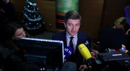 "Marić: ""Vlada spremna na dijalog s policajcima, ali na normalan i argumentiran način"""