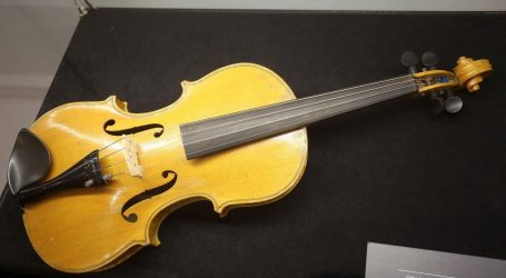 RIJEKA Na izložbi 'Violinom iznad granica/ Stradivari u Rijeci – Kresnik i Cremona' Stradivarijeva i Guarnerijeva violina