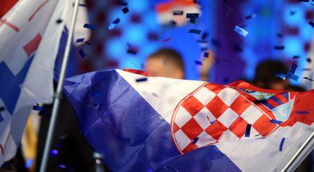 Milanović dostigao predsjednicu, Škoro raste