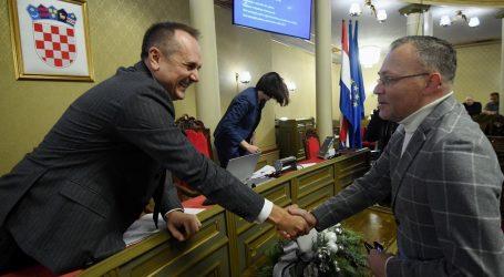 Hasanbegović ljut na Esih i Prgometa zbog stolice u Staroj gradskoj vijećnici