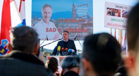 ŠKORO 'U predsjedničinom programu bi trebao biti i vozni red – da se maknemo s ceste, da nas ne pogaze'