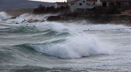 Upaljeni alarmi zbog orkanske bure, moguć snijeg na istoku zemlje i u gorju
