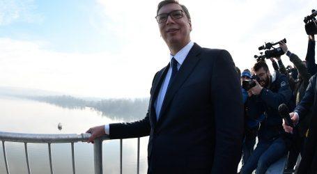 Vučić najavio da se više neće kandidirati za predsjednika SNS-a